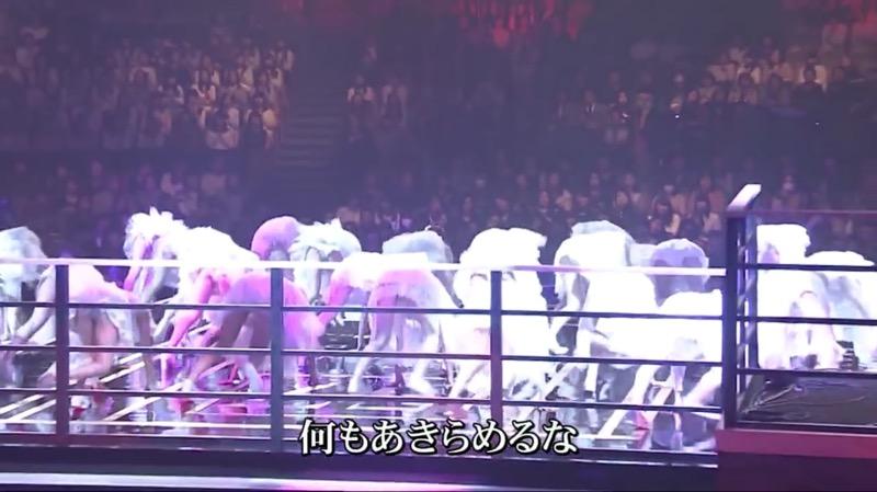 【AKBパンチラ画像】集団で生足やパンチラを見せながら踊るスケベなアイドル集団! 33