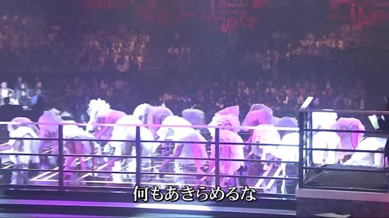 【AKBパンチラ画像】集団で生足やパンチラを見せながら踊るスケベなアイドル集団! 36