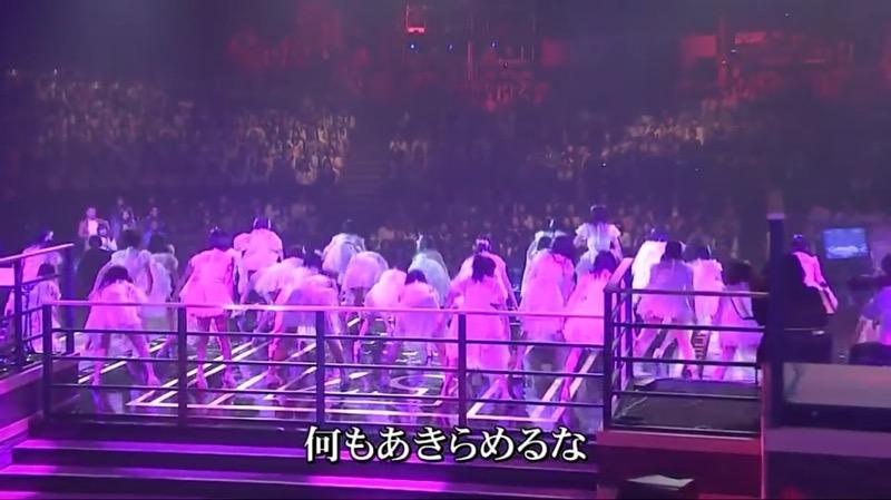 【AKBパンチラ画像】集団で生足やパンチラを見せながら踊るスケベなアイドル集団! 40