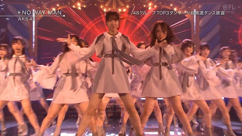 【AKBパンチラ画像】集団で生足やパンチラを見せながら踊るスケベなアイドル集団! 49