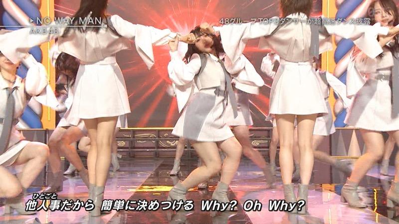 【AKBパンチラ画像】集団で生足やパンチラを見せながら踊るスケベなアイドル集団! 53