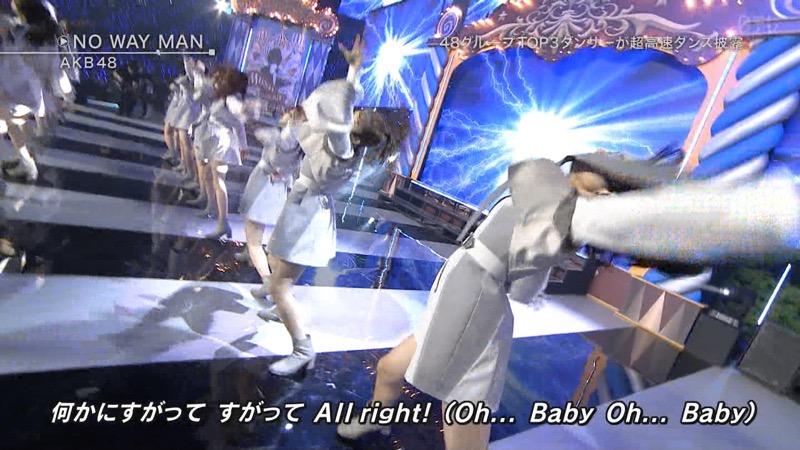 【AKBパンチラ画像】集団で生足やパンチラを見せながら踊るスケベなアイドル集団! 63