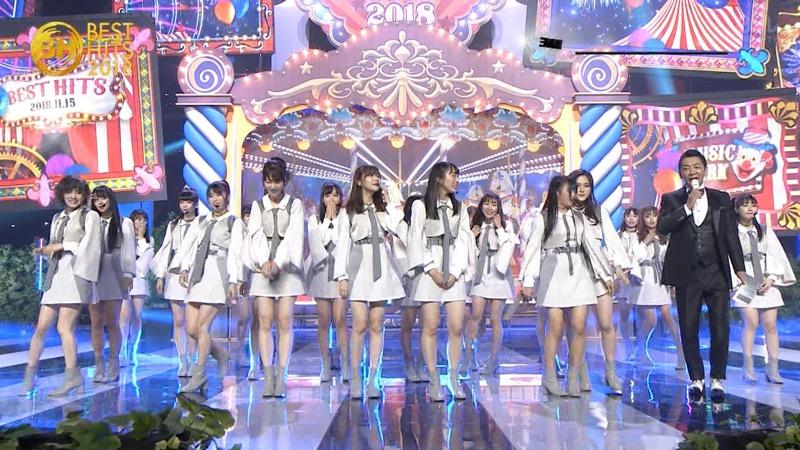 【AKBパンチラ画像】集団で生足やパンチラを見せながら踊るスケベなアイドル集団! 73