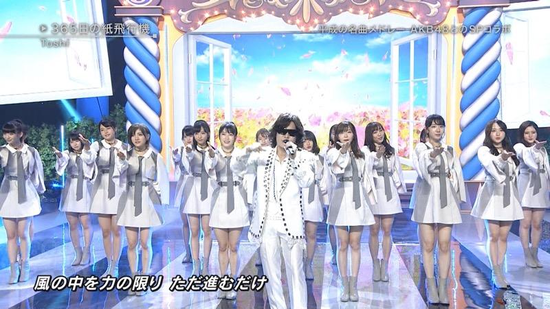 【AKBパンチラ画像】集団で生足やパンチラを見せながら踊るスケベなアイドル集団! 77