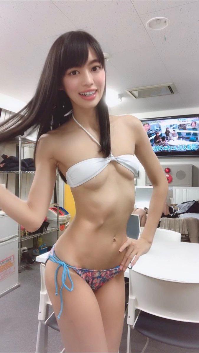 【藤田いろはコスプレ画像】可愛くてエッチなコスプレをいっぱい見せてくれるスレンダー美女 15