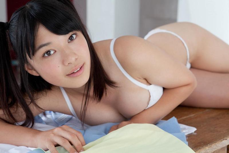 【山中知恵グラビア画像】いかにもジュニアアイドルって感じの過激なポーズがめちゃシコ! 68