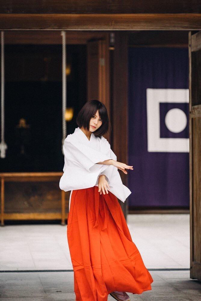 【吉崎綾エロ画像】ショートヘアが似合って可愛いクォーター美女の水着グラビア! 10