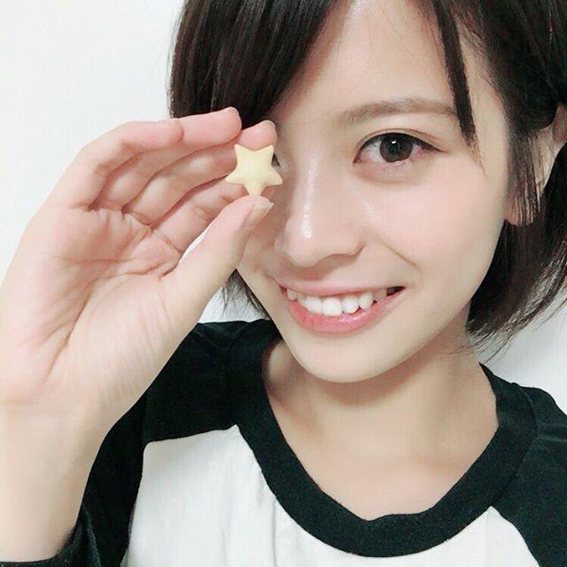【吉崎綾エロ画像】ショートヘアが似合って可愛いクォーター美女の水着グラビア! 70
