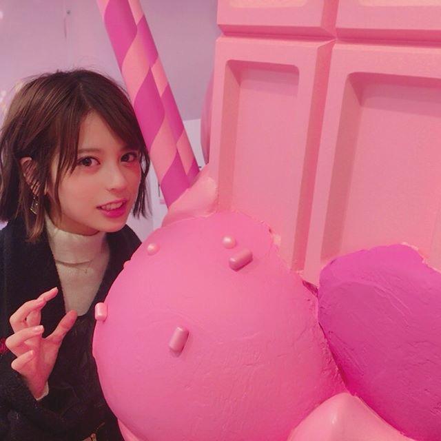 【吉崎綾エロ画像】ショートヘアが似合って可愛いクォーター美女の水着グラビア! 73