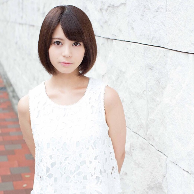 【吉崎綾エロ画像】ショートヘアが似合って可愛いクォーター美女の水着グラビア! 74