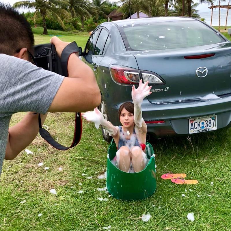 【吉崎綾エロ画像】ショートヘアが似合って可愛いクォーター美女の水着グラビア! 75