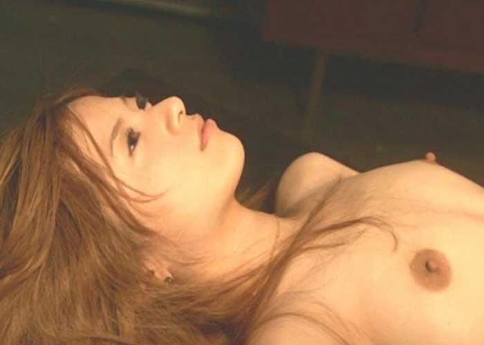【吉高由里子濡れ場画像】怪しい雰囲気を醸し出している美人女優の艶めかしいセックスシーン