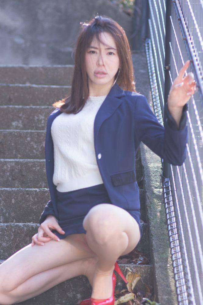 【岩本和子エロ画像】アラフォー世代で未だ現役の美魔女系グラビアアイドルのヌード写真 11
