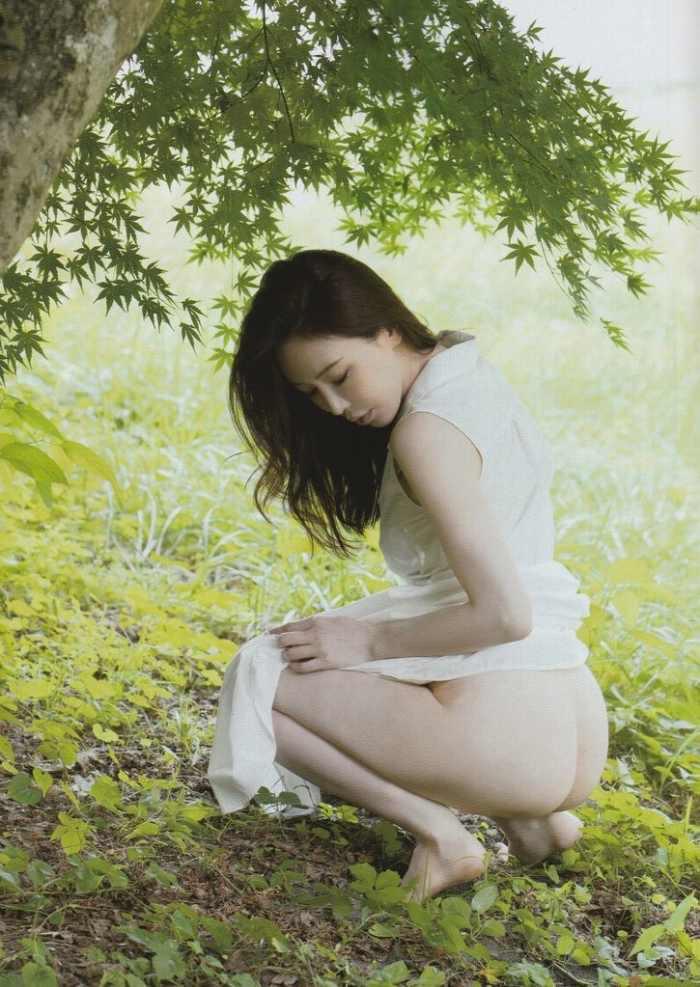 【岩本和子エロ画像】アラフォー世代で未だ現役の美魔女系グラビアアイドルのヌード写真 47