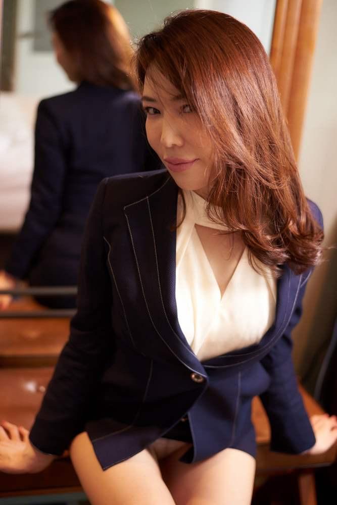 【岩本和子エロ画像】アラフォー世代で未だ現役の美魔女系グラビアアイドルのヌード写真 48