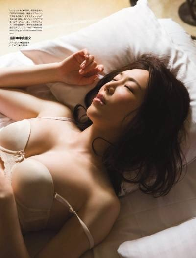 【岩本和子エロ画像】アラフォー世代で未だ現役の美魔女系グラビアアイドルのヌード写真 49