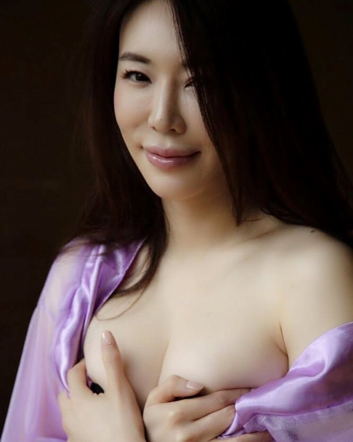 【岩本和子エロ画像】アラフォー世代で未だ現役の美魔女系グラビアアイドルのヌード写真 59