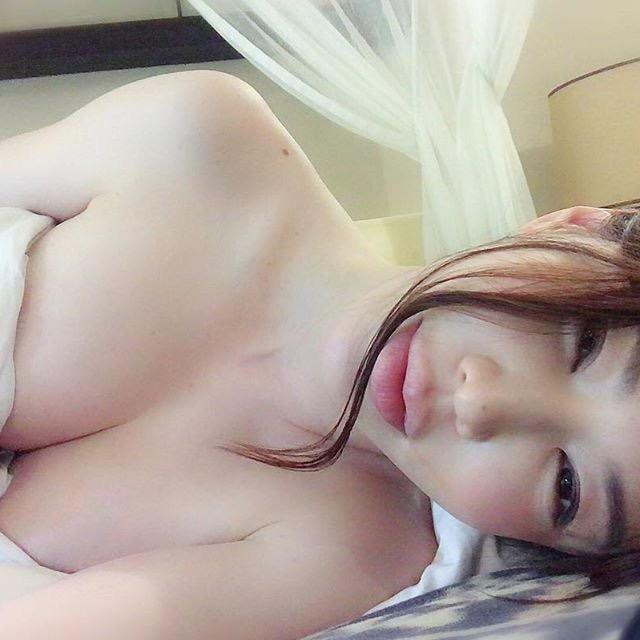 【岩本和子エロ画像】アラフォー世代で未だ現役の美魔女系グラビアアイドルのヌード写真 75