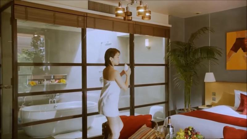 【吉崎綾キャプ画像】クォーター美人モデルが魅せるグラドルにも負けないセクシームービー 54