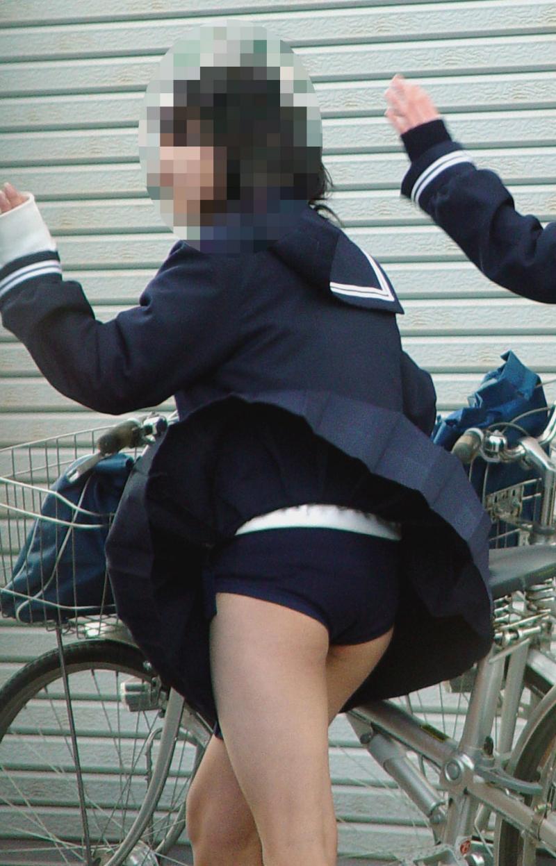 【春のパンチラ画像】暖かくなってスカートが短くなった女性を襲う春の強風ハプニング! 58