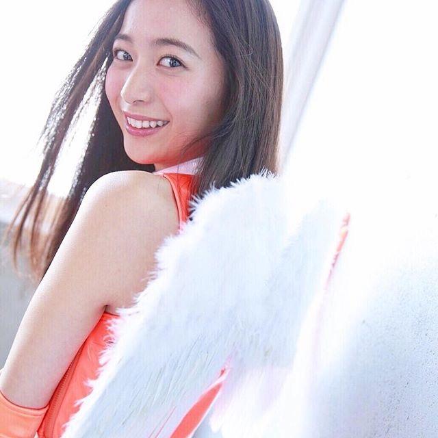 【農海姫夏エロ画像】へそ出しレースクイーン衣装がエロい現役女子大生グラビアアイドル! 13