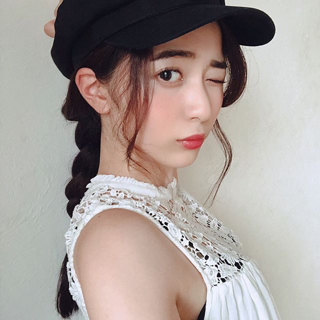 【農海姫夏エロ画像】へそ出しレースクイーン衣装がエロい現役女子大生グラビアアイドル! 37