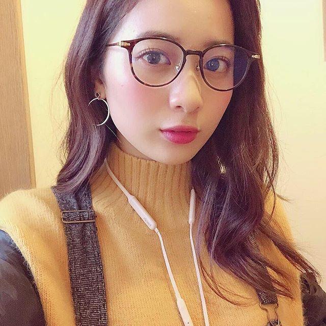 【農海姫夏エロ画像】へそ出しレースクイーン衣装がエロい現役女子大生グラビアアイドル! 52