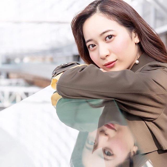 【農海姫夏エロ画像】へそ出しレースクイーン衣装がエロい現役女子大生グラビアアイドル! 54