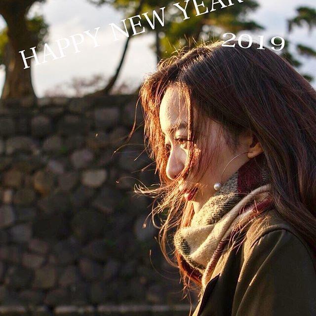 【農海姫夏エロ画像】へそ出しレースクイーン衣装がエロい現役女子大生グラビアアイドル! 56