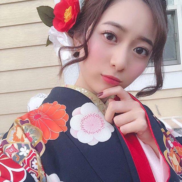 【農海姫夏エロ画像】へそ出しレースクイーン衣装がエロい現役女子大生グラビアアイドル! 63