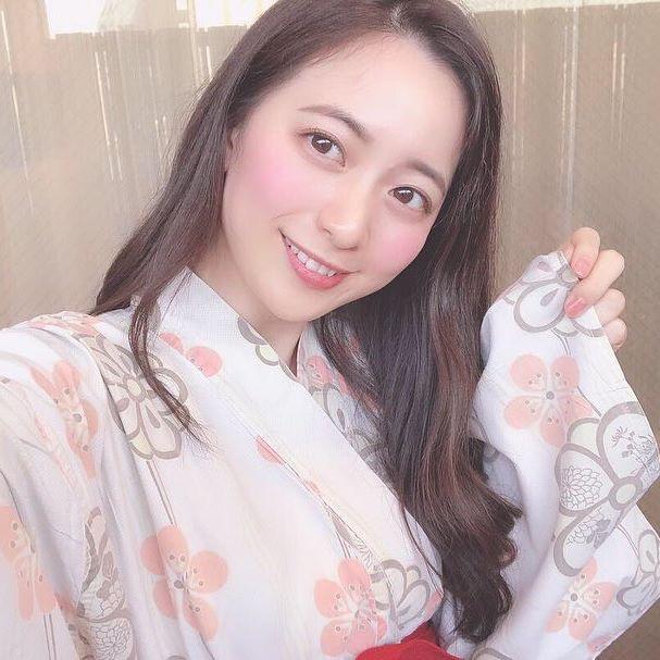 【農海姫夏エロ画像】へそ出しレースクイーン衣装がエロい現役女子大生グラビアアイドル! 64