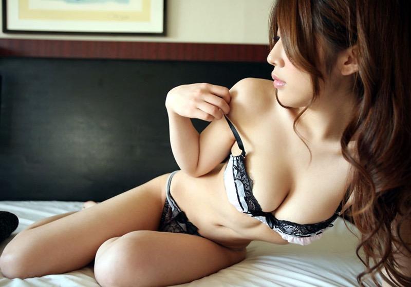 【セクシーランジェリー画像】スタイル抜群な美女が着ると更にエロさが加速する下着姿 18