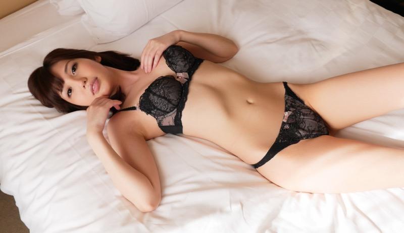 【セクシーランジェリー画像】スタイル抜群な美女が着ると更にエロさが加速する下着姿 26