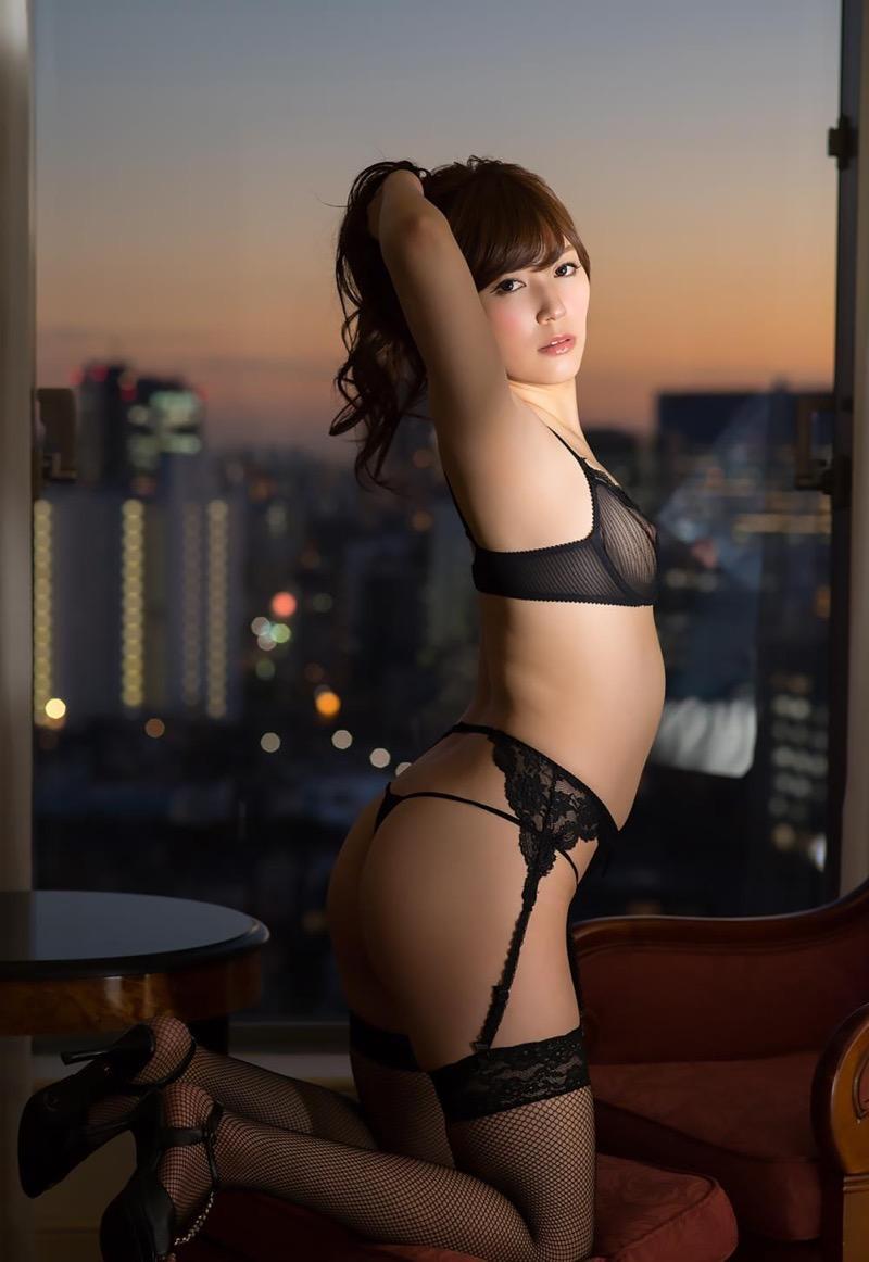 【セクシーランジェリー画像】スタイル抜群な美女が着ると更にエロさが加速する下着姿 74