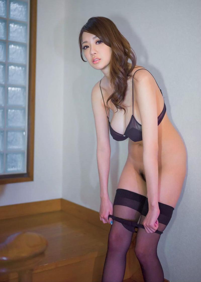 【セクシーランジェリー画像】スタイル抜群な美女が着ると更にエロさが加速する下着姿 80