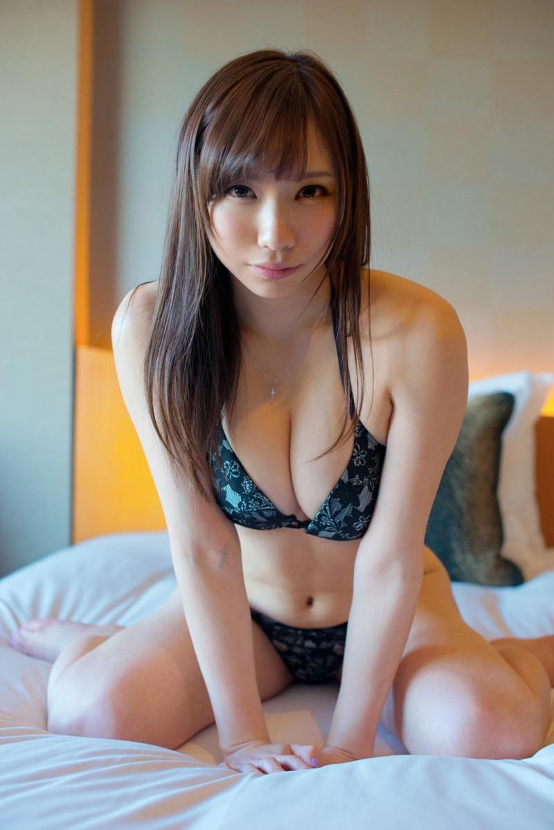 【セクシーランジェリー画像】スタイル抜群な美女が着ると更にエロさが加速する下着姿 97