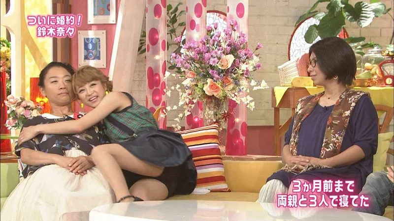 【鈴木奈々キャプ画像】ファッションモデルの体当たり過ぎるバラエティ出演シーンの数々! 24