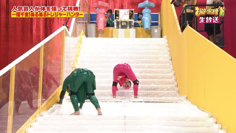 【鈴木奈々キャプ画像】ファッションモデルの体当たり過ぎるバラエティ出演シーンの数々! 52