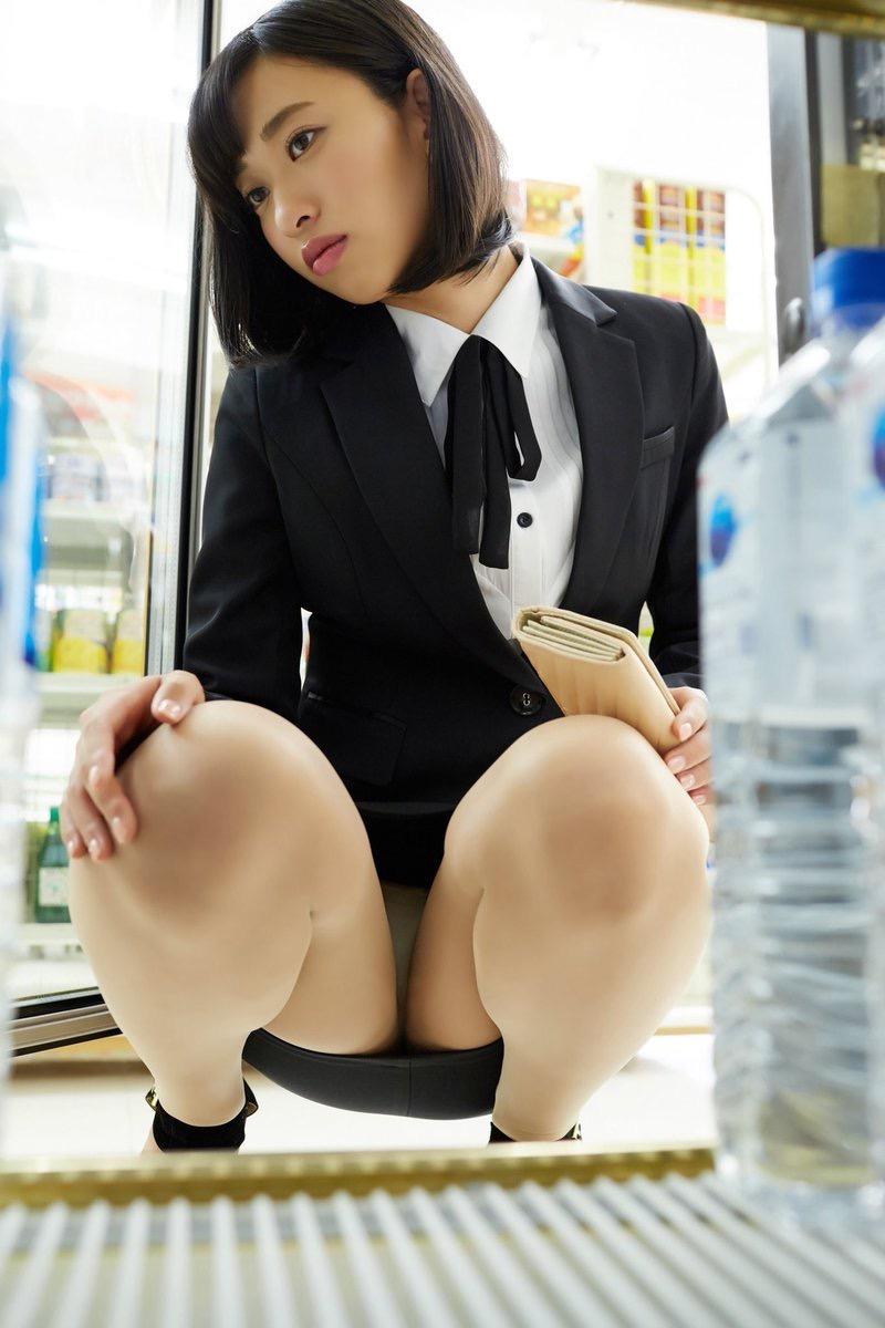 【倉持由香グラビア画像】大きくて綺麗でエロい100cmヒップが自慢のグラビアアイドル! 12