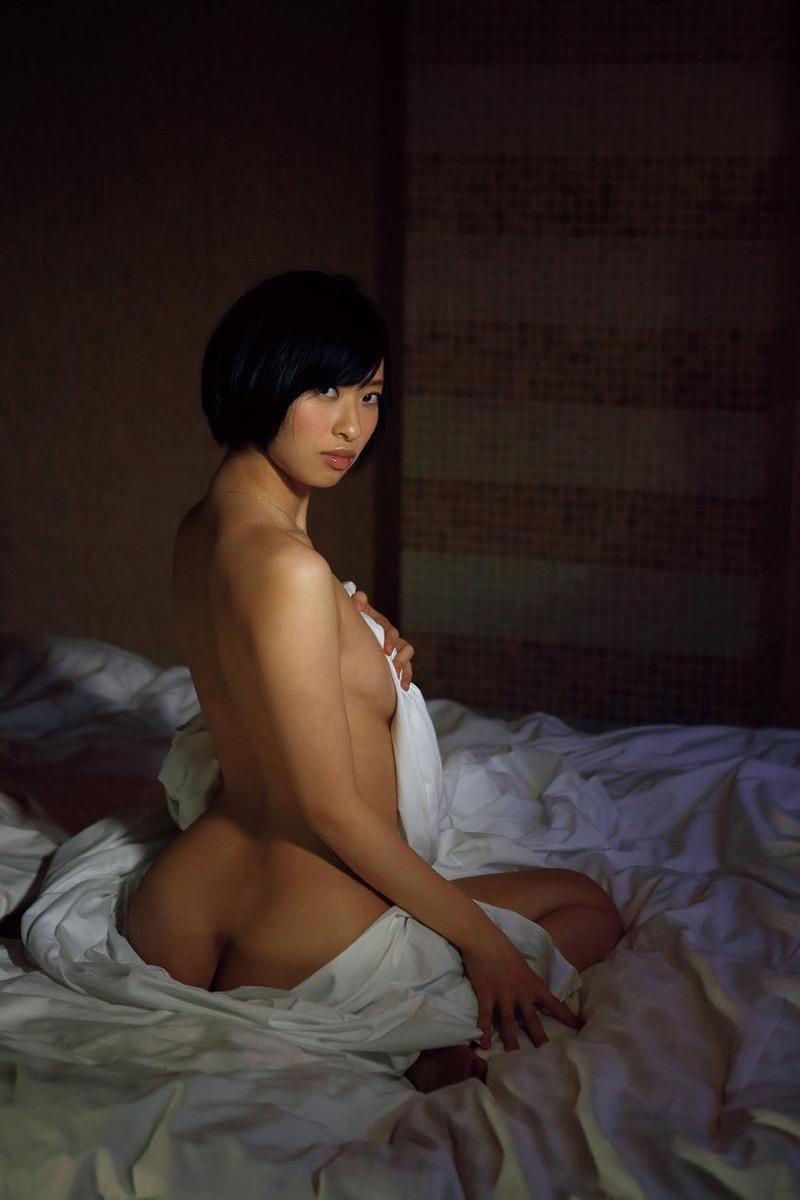【倉持由香グラビア画像】大きくて綺麗でエロい100cmヒップが自慢のグラビアアイドル! 26