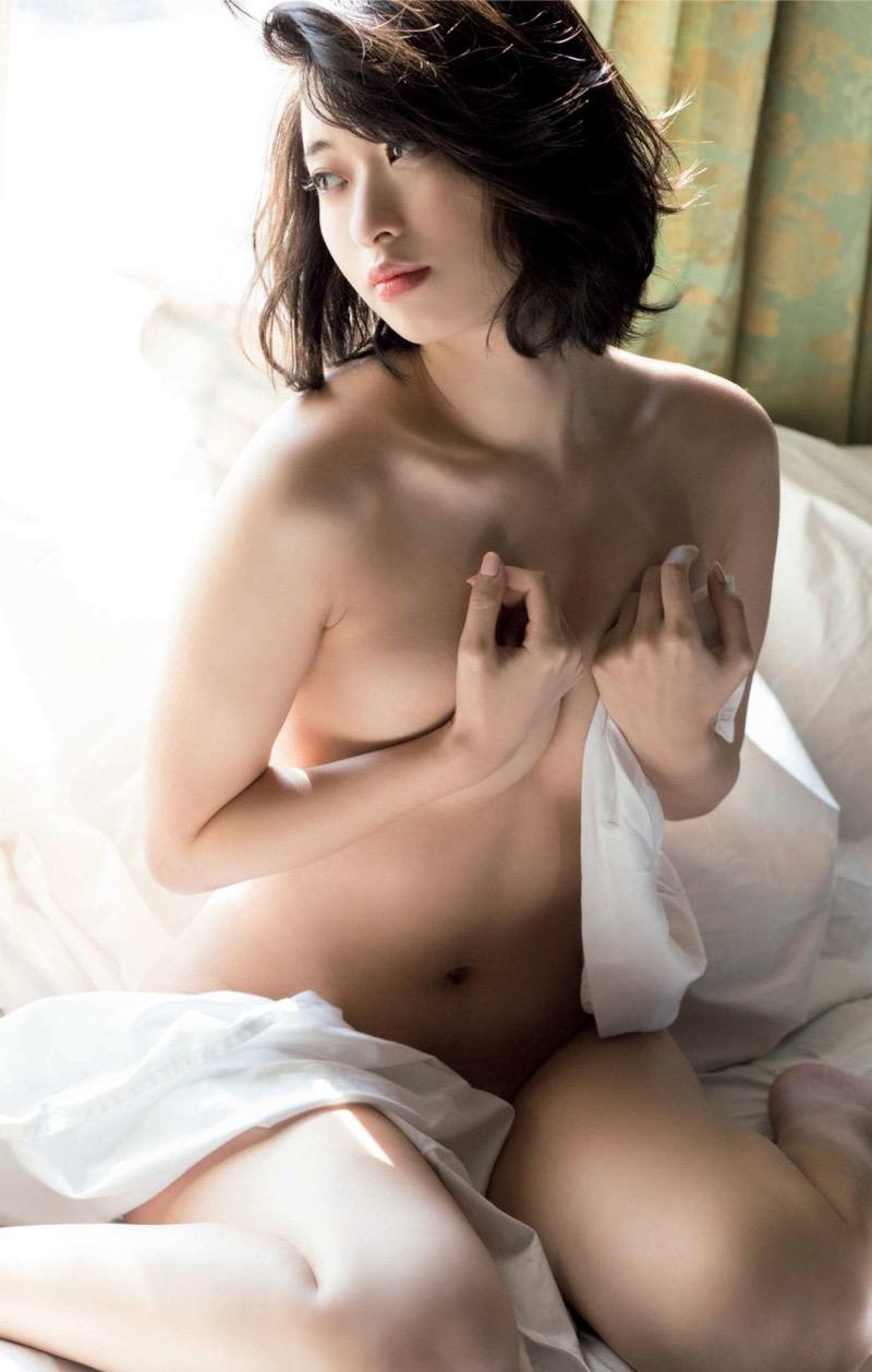 【倉持由香グラビア画像】大きくて綺麗でエロい100cmヒップが自慢のグラビアアイドル! 69