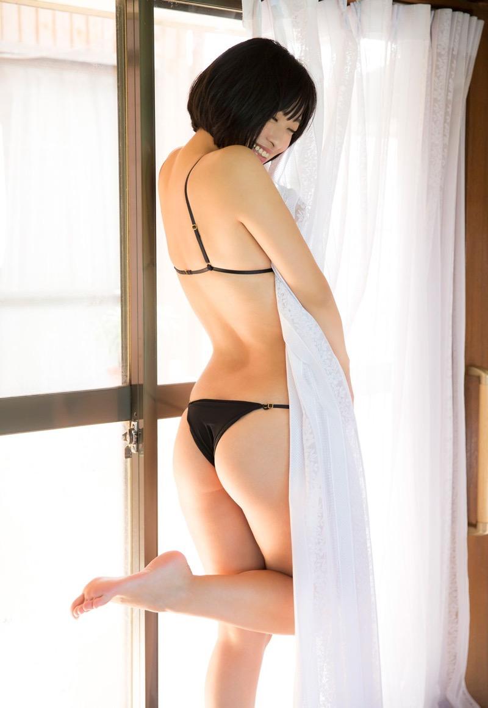 【倉持由香グラビア画像】大きくて綺麗でエロい100cmヒップが自慢のグラビアアイドル! 78