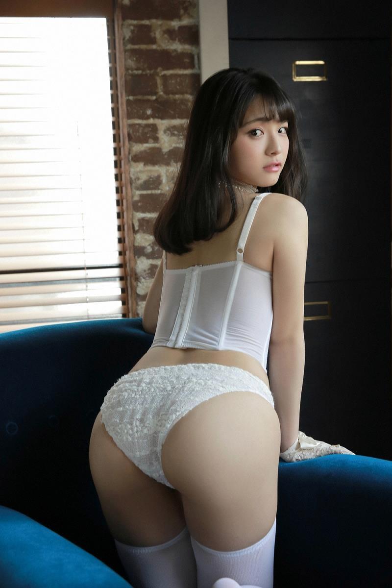 【片岡沙耶グラビア画像】乳房のホクロがセクシーでエロいバスト90cmのGカップ巨乳グラドル! 20