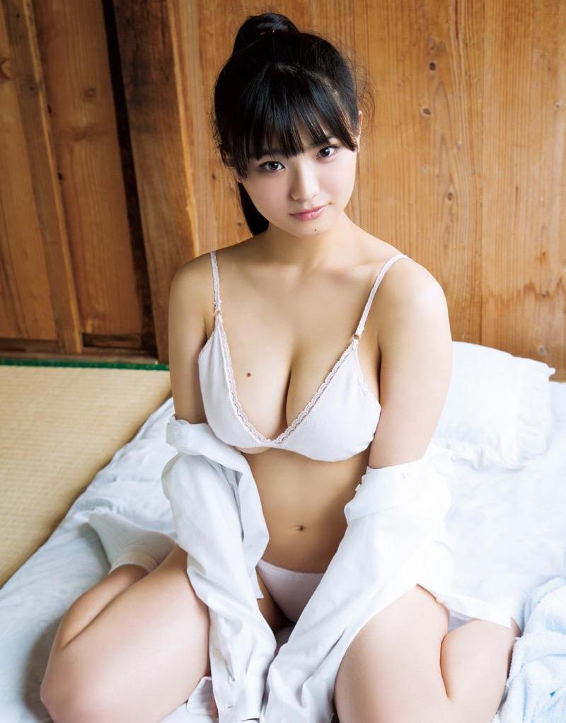 【片岡沙耶グラビア画像】乳房のホクロがセクシーでエロいバスト90cmのGカップ巨乳グラドル! 46