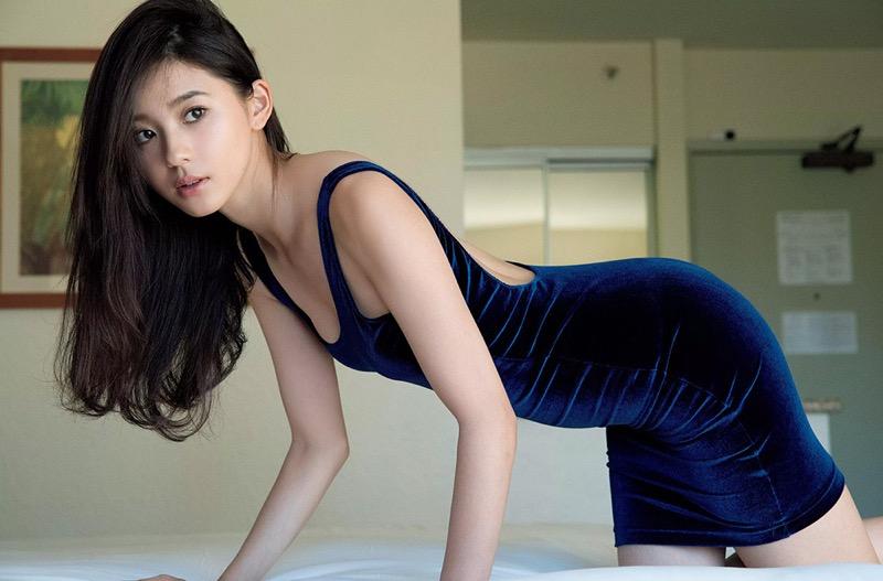 【朝比奈彩エロ画像】高身長ボディでビキニ姿が綺麗に映えるファッションモデルのグラビア!