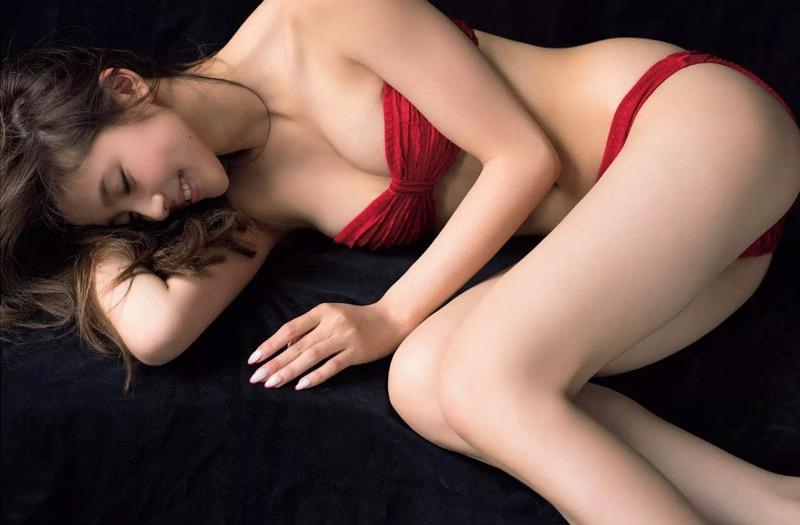 【朝比奈彩エロ画像】高身長ボディでビキニ姿が綺麗に映えるファッションモデルのグラビア! 06