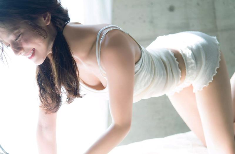 【朝比奈彩エロ画像】高身長ボディでビキニ姿が綺麗に映えるファッションモデルのグラビア! 09