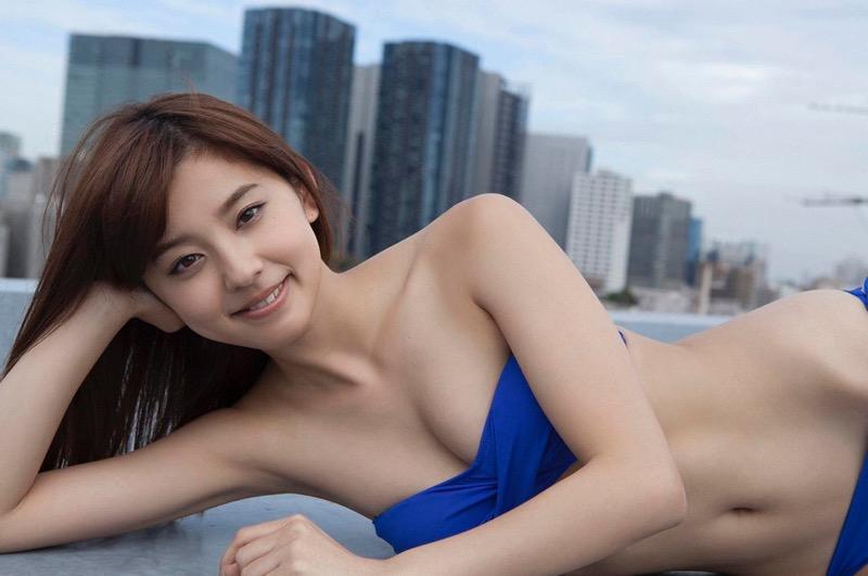 【朝比奈彩エロ画像】高身長ボディでビキニ姿が綺麗に映えるファッションモデルのグラビア! 13