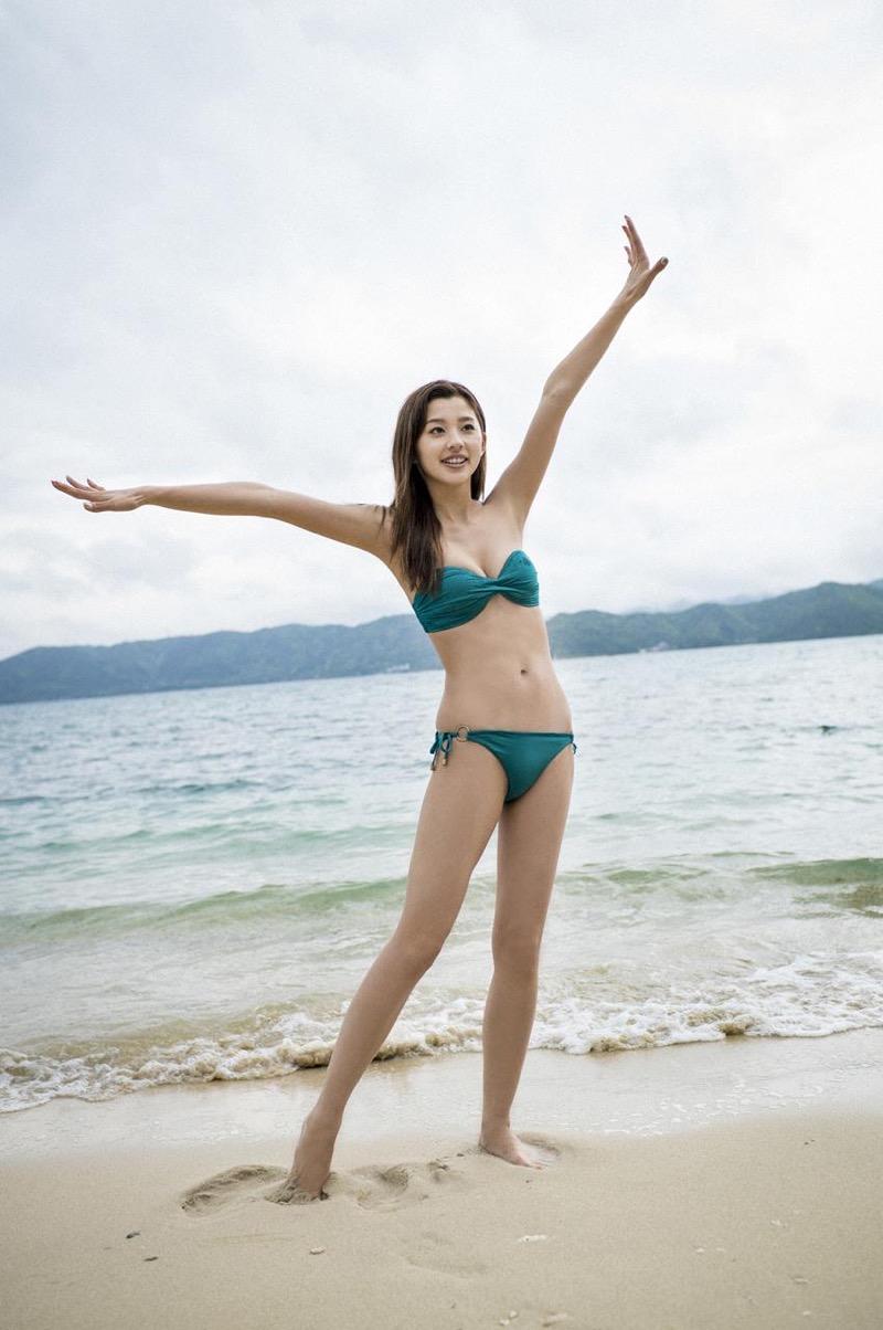 【朝比奈彩エロ画像】高身長ボディでビキニ姿が綺麗に映えるファッションモデルのグラビア! 30