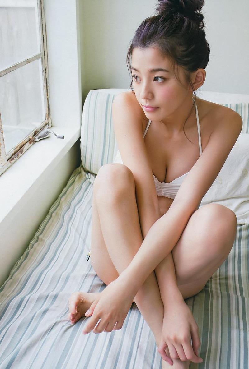 【朝比奈彩エロ画像】高身長ボディでビキニ姿が綺麗に映えるファッションモデルのグラビア! 32